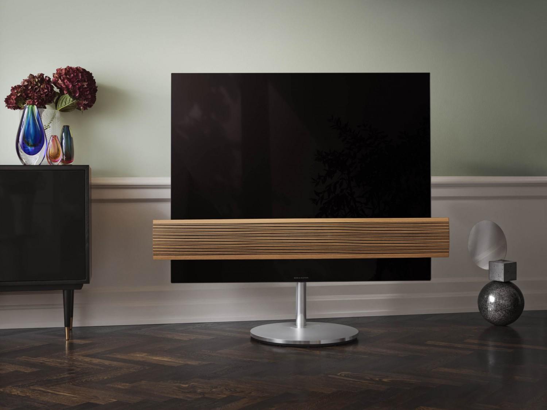 """TV TV BeoVision Eclipse von Bang & Olufsen ab April als """"Wood Edition"""" mit Eichenlamellen - News, Bild 1"""