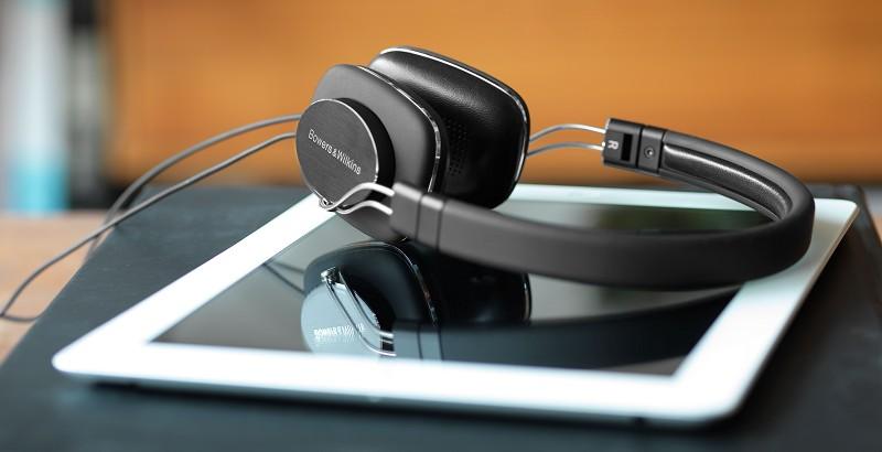 HiFi 130 Gramm leicht und Dämpfungssystem: Neuer On-Ear-Kopfhörer von Bowers & Wilkins - News, Bild 1