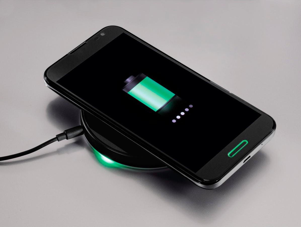 kabellose energiezufuhr f r smartphones universelle hama l sung mit qi technik. Black Bedroom Furniture Sets. Home Design Ideas