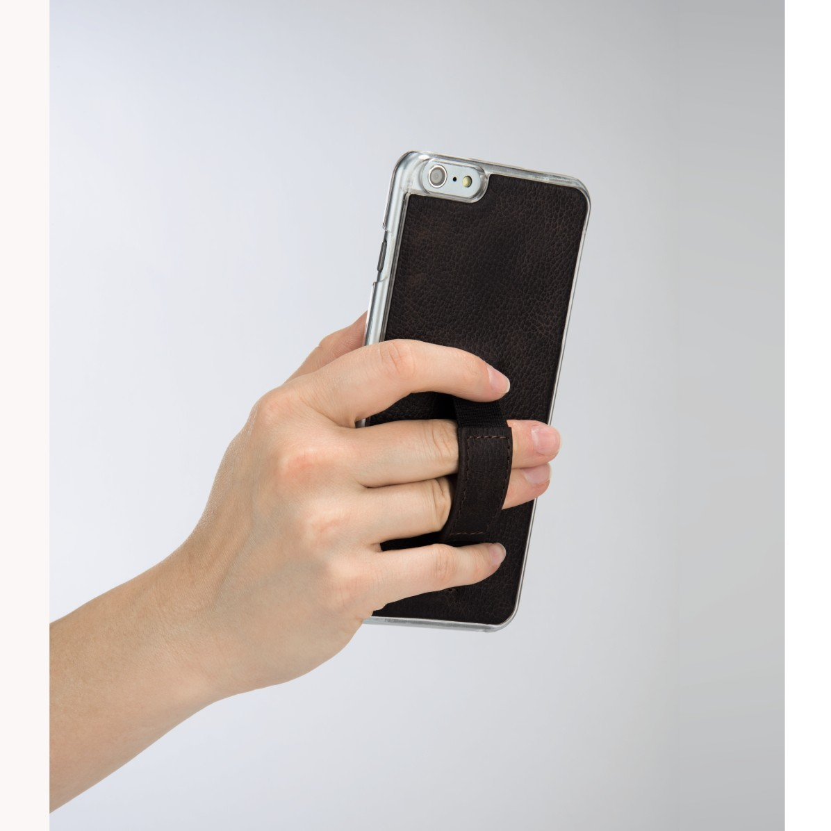mobile Devices Mehr Halt für das iPhone 6 Plus: Hama-Cover mit flexibler Fingerschlaufe - News, Bild 1