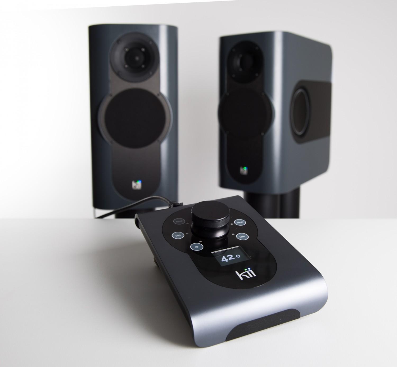 hifideluxe 2017 lautsprecher kii three und fernbedienung kii control von kii audio. Black Bedroom Furniture Sets. Home Design Ideas