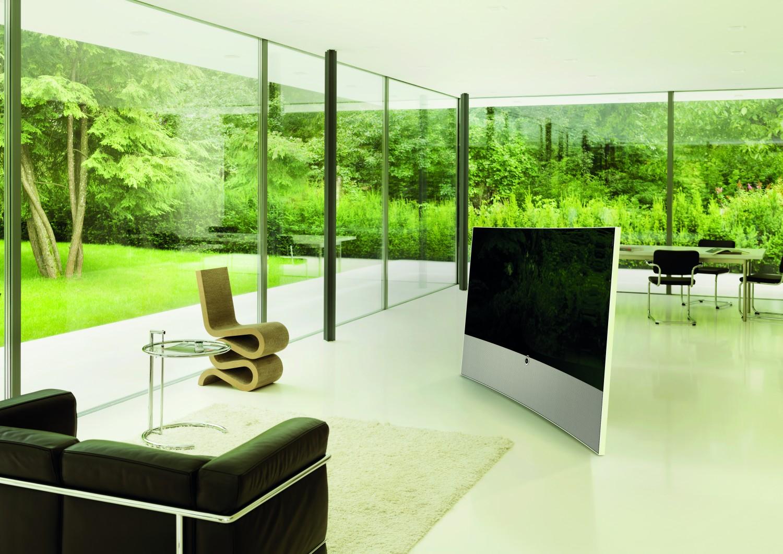 loewe kriegt die kurve flat tv im curved design mit ultra hd. Black Bedroom Furniture Sets. Home Design Ideas