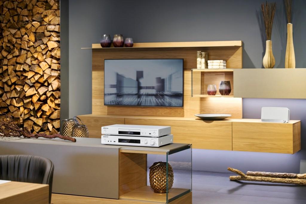pioneer und onkyo r sten flareconnect f r multiroom ger te. Black Bedroom Furniture Sets. Home Design Ideas