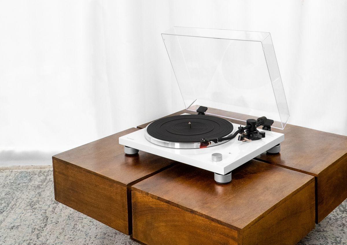 HiFi PLATINUM: Der Design-Plattenspieler von sonoro - News, Bild 1