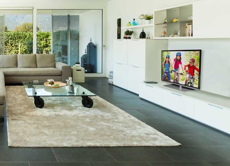 TV Kino-Feeling im Wohnzimmer: Toshiba stellt zur IFA die neue T5-Smart-TV-Serie vor - News, Bild 1