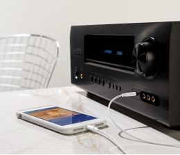 belkin-hifi-35-mm-audiokabel-mit-lightning-connector-von-belkin-iphone-an-lautsprecher-anschliessen-14200.jpg