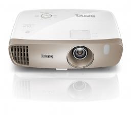 benq-heimkino-benq-w2000w-heimkino-beamer-ohne-stoerende-kabel-drahtlose-video-uebertragung-11187.jpg
