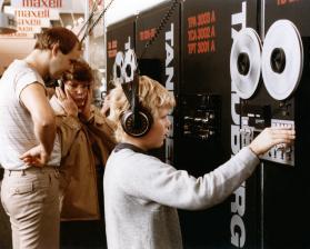 heimkino-die-ifa-historisch-8-musik-zum-anfassen-und-anhoeren-tonbandmaschinen-im-jahr-1983-9565.jpg