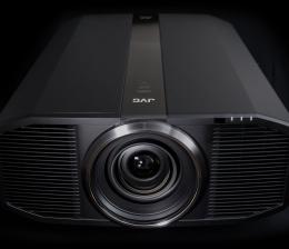 jvc-high-end-4k-d-ila-projektor-dla-z1-von-jvc-feiert-premiere-helligkeit-von-bis-zu-3000-lumen-11761.jpg