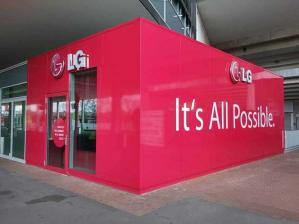 TV LG BRAND STORE IN BAYARENA STARTET KOOPERATION MIT EXPERT WALLRAFF - News, Bild 1