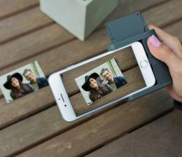 mobile-devices-das-iphone-wird-zur-sofortbildkamera-fotos-als-aufkleber-videos-in-die-bilder-einbetten-13576.png