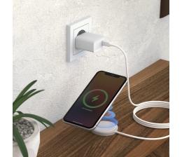 mobile-devices-schnelle-energie-fuer-das-iphone-12-realpower-set-zum-induktiven-laden-19870.jpg