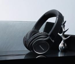 panasonic-hifi-over-ear-kopfhoerer-von-panasonic-fuer-musik-unterwegs-telefonate-moeglich-11505.jpg