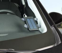 revolt-mobile-devices-smartphone-tablet-und-navi-unterwegs-mit-der-kraft-der-sonne-aufladen-10887.jpg