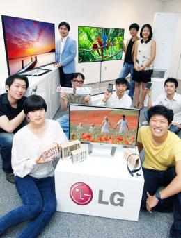 TV LG Produkte mit International Design Excellence Awards ausgezeichnet - News, Bild 1