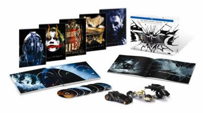 Medien THE DARK KNIGHT TRILOGY ULTIMATE COLLECTORS EDITION ab 4. Oktober 2013 auf Blu-ray erhältlich - News, Bild 1