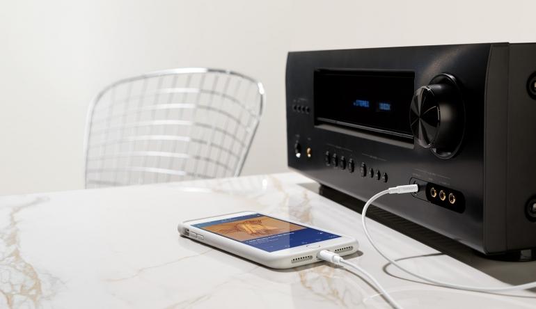 3 5 mm audiokabel mit lightning connector von belkin. Black Bedroom Furniture Sets. Home Design Ideas