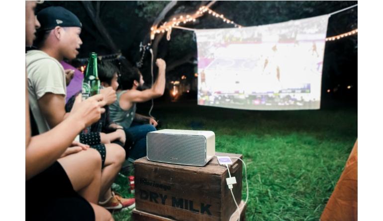 Heimkino CeBIT 2016: Mobiler Aiptek-Beamer mit HD-Auflösung, 700 Lumen und Stereo-Sound - News, Bild 1
