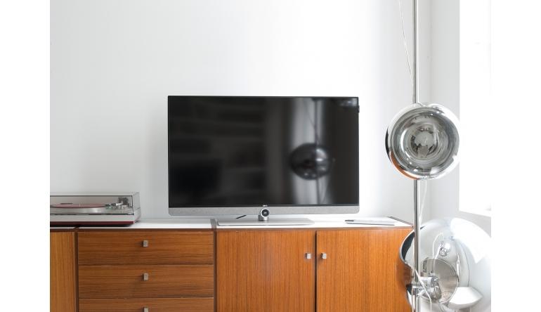 TV Loewe bild 3: UHD-Fernseher für Design-Ästheten - Optional mit 5.1-Audio-Mehrkanaldecoder  - News, Bild 1