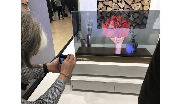 ifa 2017 panasonic zeigt transparenten oled tv aus glas noch ein prototyp. Black Bedroom Furniture Sets. Home Design Ideas