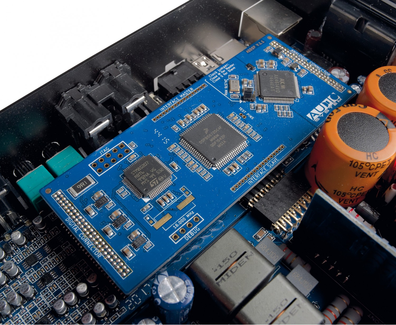 Car-HiFi Endstufe 4-Kanal Audio System X-80.4 DSP im Test, Bild 2