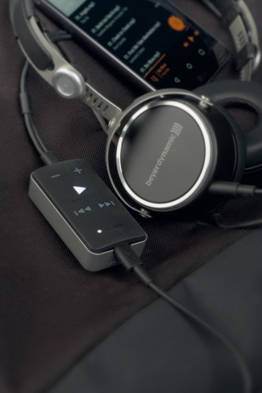 Kopfhörer Hifi Beyerdynamic Aventho wired, Beyerdynamic Impacto universal im Test , Bild 1