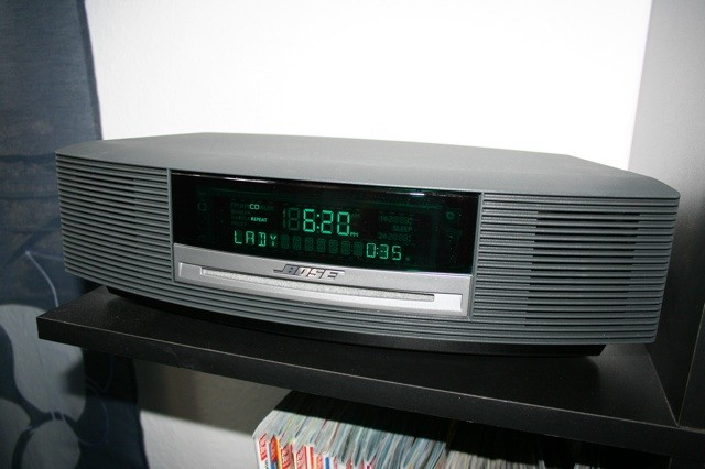 test minianlagen bose wave music system gut. Black Bedroom Furniture Sets. Home Design Ideas