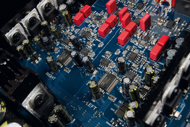 DLNA- / Netzwerk- Clients / Server / Player Cambridge Audio Azur 851N im Test, Bild 3