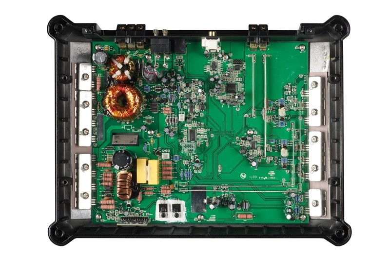 Car-HiFi Endstufe Mono Emphaser EA1500-BASH im Test, Bild 3