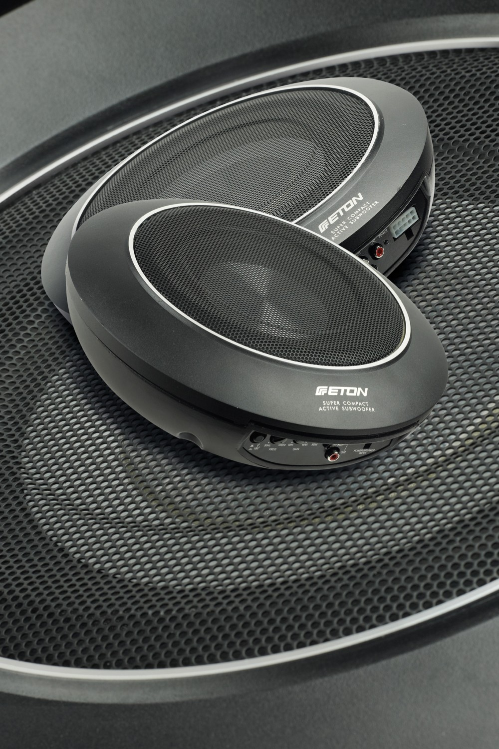 test car hifi subwoofer aktiv seite 1. Black Bedroom Furniture Sets. Home Design Ideas