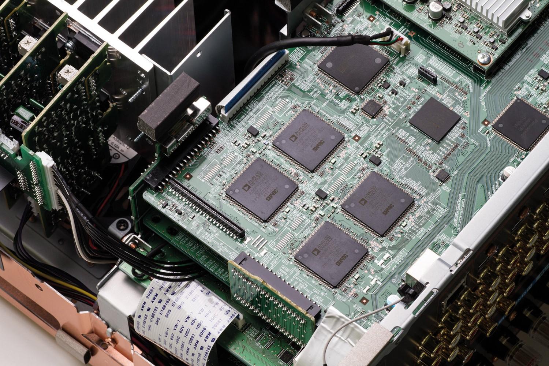 AV-Receiver Marantz SR8012 im Test, Bild 5