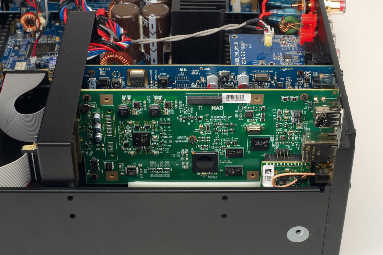 Vollverstärker NAD C 390DD2 im Test, Bild 4