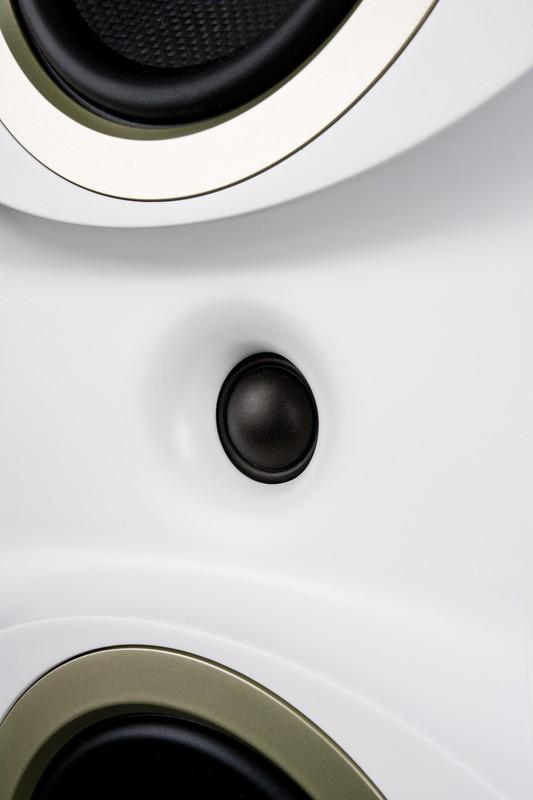 test lautsprecher surround teufel theater 6 hybrid sehr gut bildergalerie bild 3. Black Bedroom Furniture Sets. Home Design Ideas