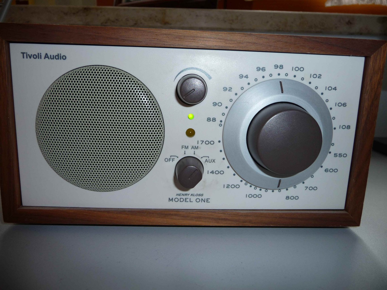 test radios tivoli audio model one gut. Black Bedroom Furniture Sets. Home Design Ideas