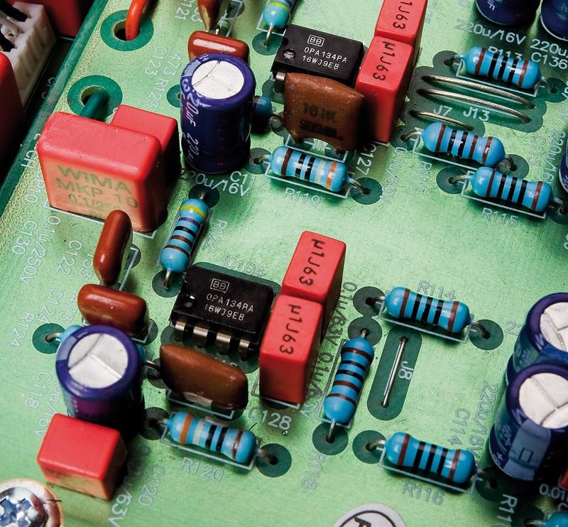 Phono Vorstufen Vincent PHO-700 im Test, Bild 2