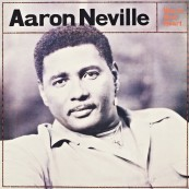 Schallplatte Aaron Neville – Warm Your Heart (A& M Records / Original Recordings Group) im Test, Bild 1