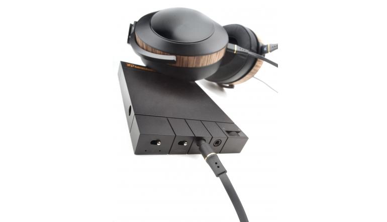 Kopfhörerverstärker Bakoon HPA-01M, Audeze EL-8 geschlossen im Test , Bild 1