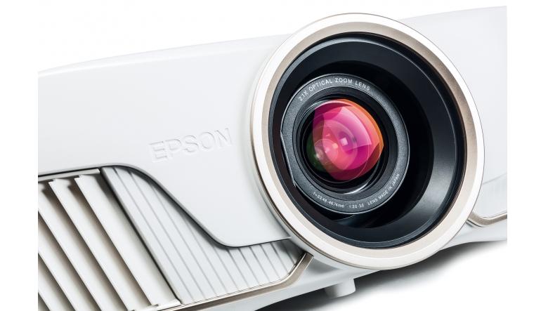 Beamer Epson EH-TW9400W im Test, Bild 1