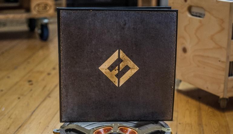 Schallplatte Foo Fighters – Concrete and Gold (RCA) im Test, Bild 1