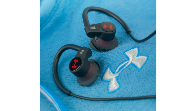 Kopfhörer InEar JBL Under Armour Sport Wireless Heart Rate im Test, Bild 1