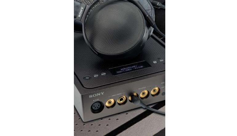 Kopfhörer Hifi Sony MDR-Z1R, Sony TA-ZH1ES im Test , Bild 1