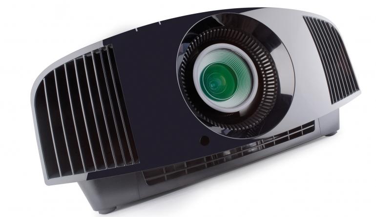 Beamer Sony VPL-VW290ES im Test, Bild 1