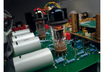 D/A-Wandler Audio Research DAC9 mit FPGA-Platine im Test, Bild 1
