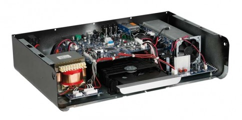 CD-Receiver NAD Viso Three im Test, Bild 1