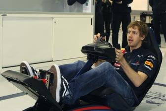 Hifi & TV Möbel Playseat Red Bull Racing F1 im Test, Bild 2